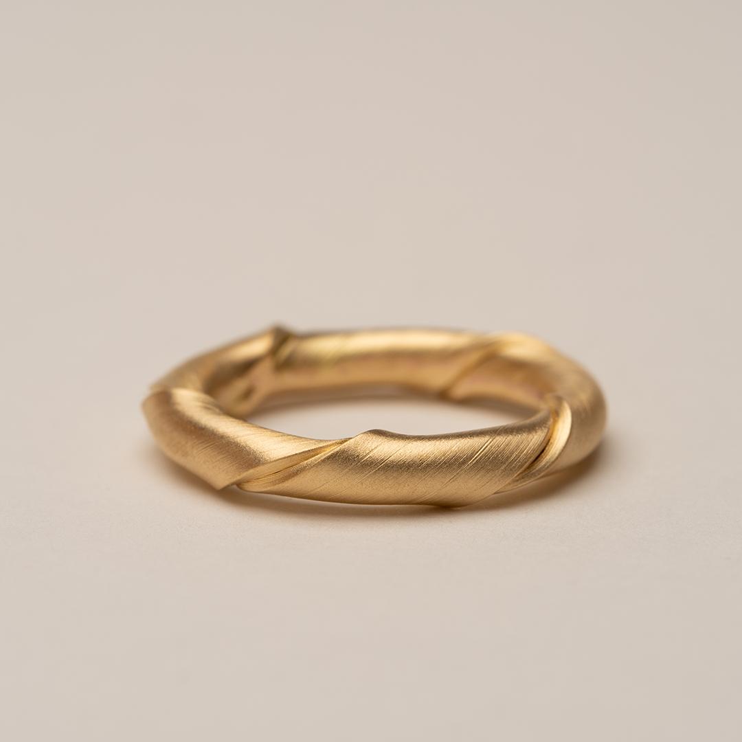 No. 13 – ring twist