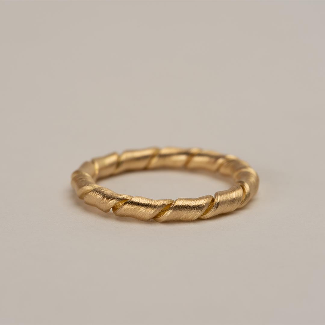 No. 41 – ring twist