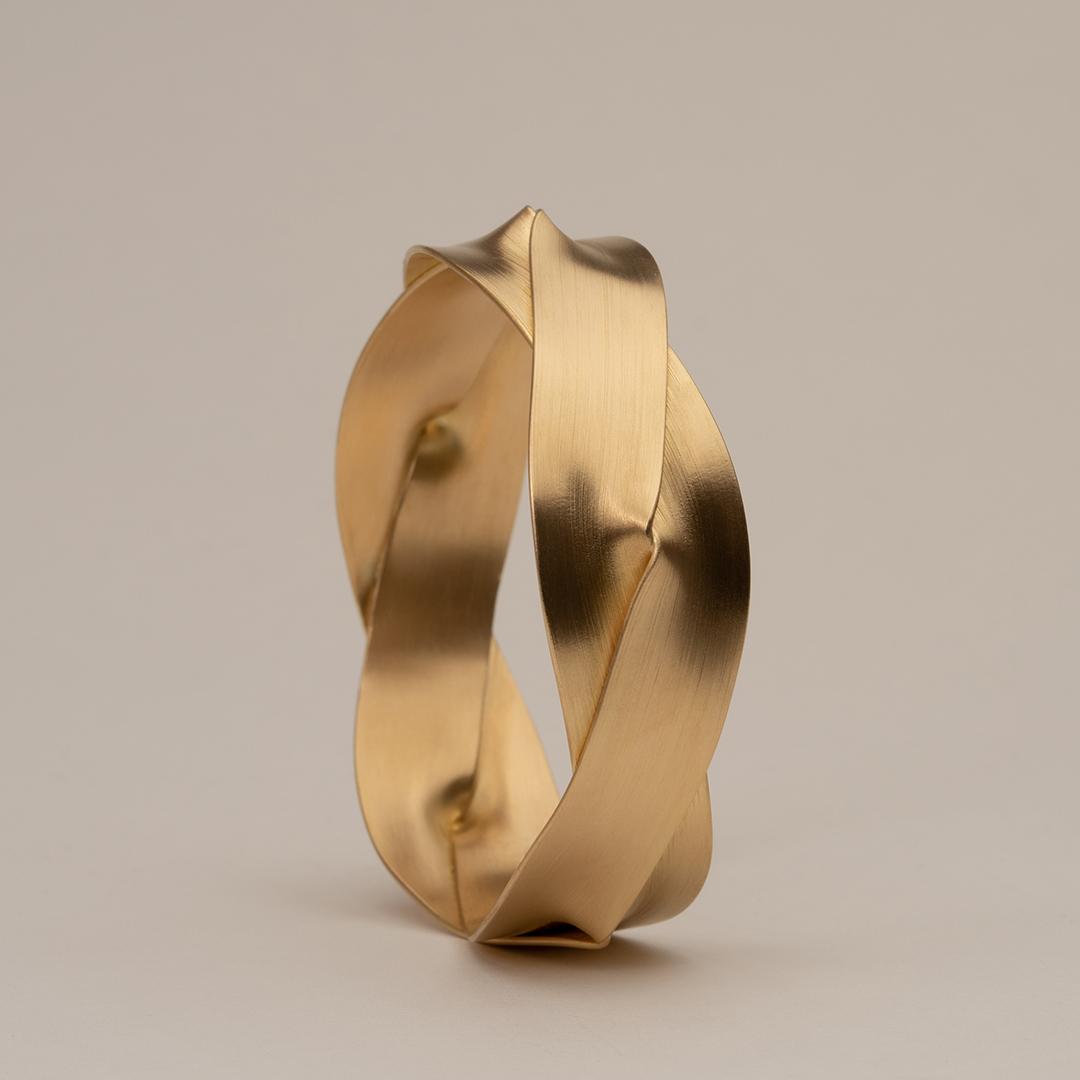 No. 7 – bangle fold